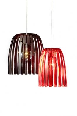 Ze série Josephine,  menší červené, cena 1988Kč, černé 2411Kč  (KOZIOL,  dodává IBERIS).