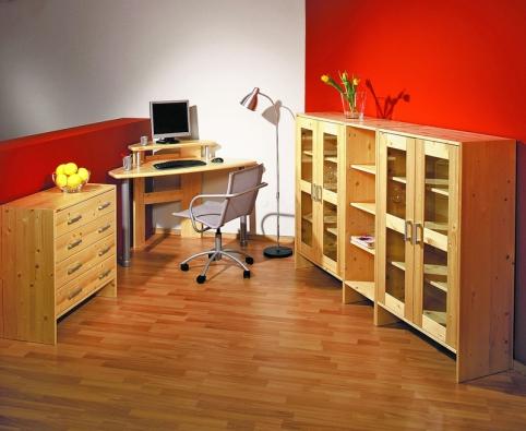 Sektorová skříňka Sunny (vlevo). Počítačový stůl Compy II je určen do rohu místnosti (Gazel).