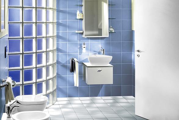 Skleněné cihly nebo tvárnice, známé jako luxfery, si našly místo ivmoderních interiérech.