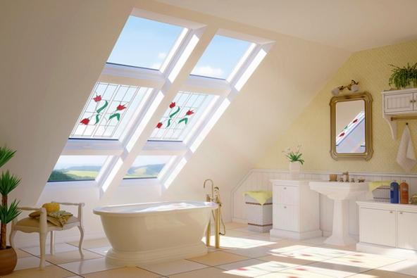 """Střešní okna, stejně jako okna fasádní, nás """"bezbariérově"""" spojují sokolním světem."""