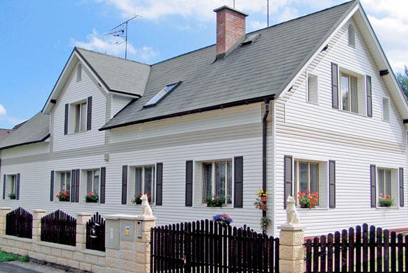 Design fasády lze pojednat za pomoci nejrůznějších materiálů (CIUR).