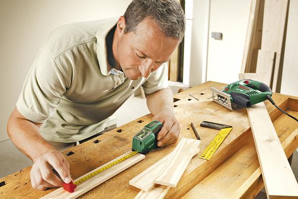 Většině prací vdílně předchází používání měřidel.