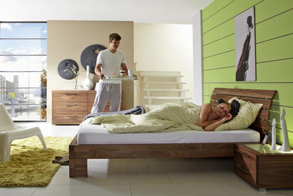 Dominantu ložnice tvoří pochopitelně postel, proto bychom její výběr neměli podcenit.