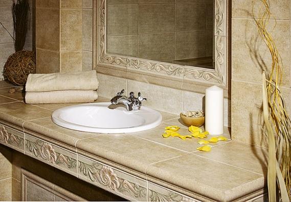 Série Esedra se vyznačuje jemně rustikálním designem surčitou nadčasovostí (GARDENIA ORCHIDEA).