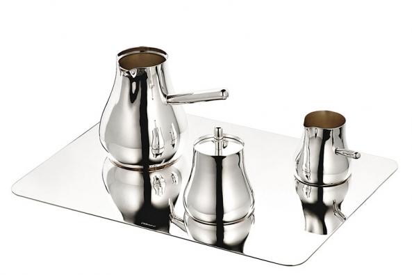 Stříbrný kávový set Float, limitovaná edice 20 ks, Christofle, design ECAL / Tomas Kral, cena 199 500 Kč (Potten & Pannen – Staněk).