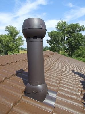 Pro centrální podtlakové větrání je určen střešní odtahový ventilátor vyráběný vněkolika výkonových řadách sodlišnými typy průchodek pro různé druhy střešní krytiny.