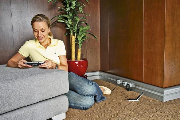 Díky lištám azásuvkovým adaptérům můžete využívat elektrospotřebiče kdekoli vmístnosti.