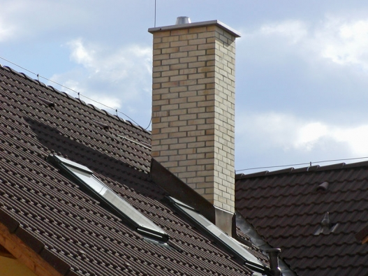 Nevyčištěný komín může být příčinou požáru, ale také výrazně snižuje účinnost topidla.