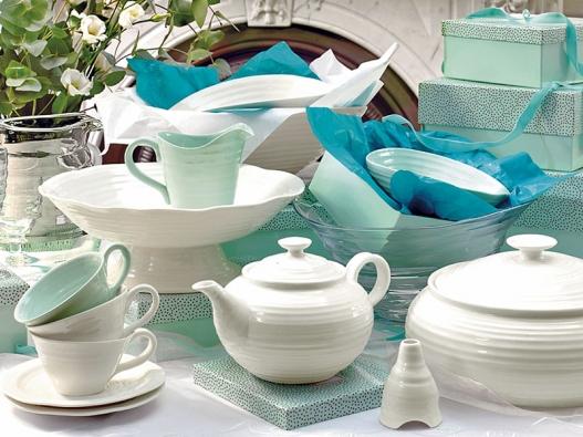 Porcelánové nádobí Portmerion navrhla Sophie Conran, autorka kuchařek.