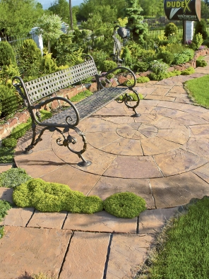 Ručně zpracované desky svou nepravidelnou texturou apatinou připomínají kámen (VIKO).