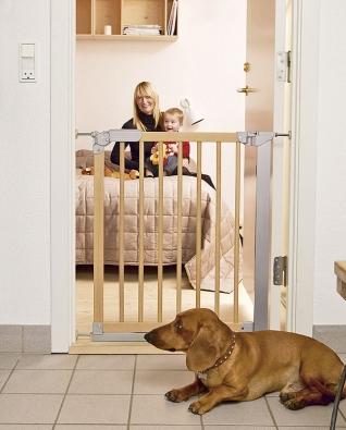 Baby Dan Designer Indicator je rozpěrná zábrana do dveří ana schodiště. Instalace bez vrtání. Cena 1790Kč (BABY DAN).