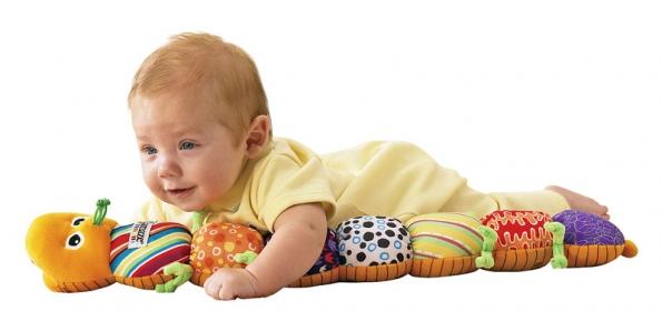 Hudební mnohoúčelová housenka se stane praktickou abezpečnou společnicí vašeho miminka, např. při rozvíjení smyslových apohybových dovedností. Cena 549Kč (LAMAZE).