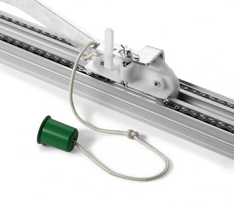 Ruční odjištění motoru garážových vrat vpřípadě výpadku elektrického proudu (BENINCÀ).