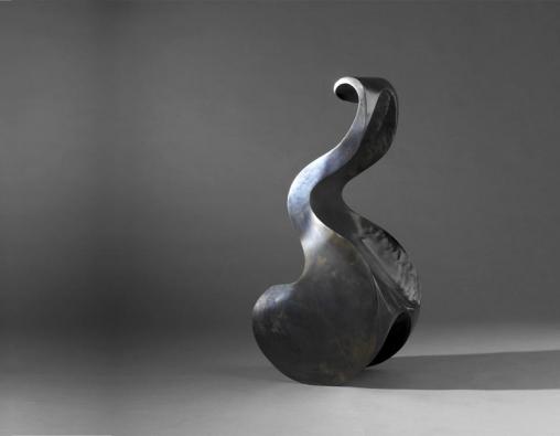 Některá díla izraelského designéra Rona Arada připomínají spíše sochařskou tvorbu.