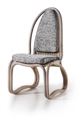 Luigi Colani je všestranný designér. Je velkým propagátorem dřeva a ratanu, ale tím jeho repertoár není zdaleka vyčerpán…