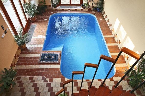 Kdo miluje vodu, ten si ji vtakovém bazénu užije dosyta, ovšem zanemalou cenu.