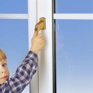 Bezpečnostní klika MACO EMOTION plní zároveň funkci dětské pojistky.