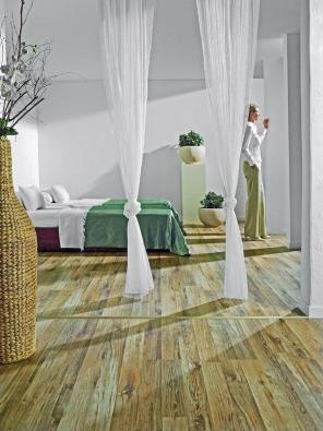 Plovoucí podlaha Zebrano (Witex) z kolekce Castilia, 1lamelový vzor, rozměr  1 280 x 192 x 8 mm,  cena 654,50 Kč/m² (KRATOCHVÍL PARKET PROFI).