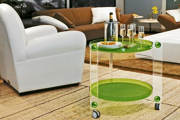 Servírovací stolek Massoni, design Luigi Massoni, plast, cena 6567Kč (Casa Bella).