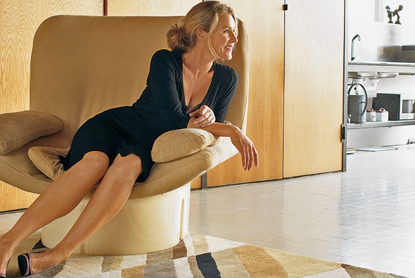Ručně nastřelovaný koberec Como bordur ze 100% akrylu od výrobce Brink and Campman, cena za rozměr 140 x 200cm 9395Kč (Carpet Design).