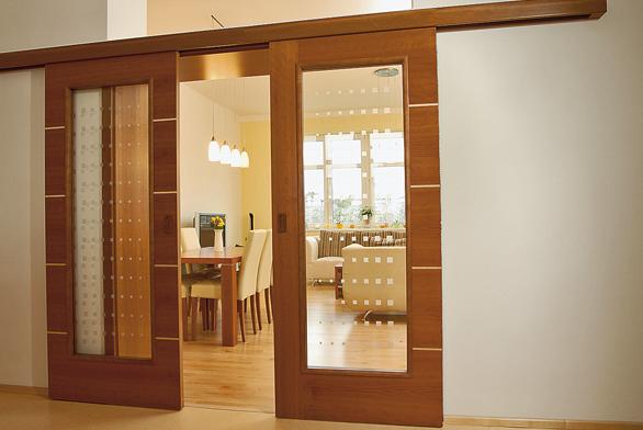 Při objednávání dveří se každý prodejce zeptá, zda chcete dveře levé či pravé.
