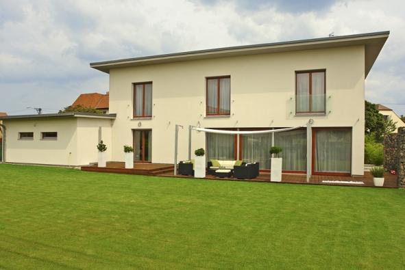 Komfortní dům s rovnými liniemi