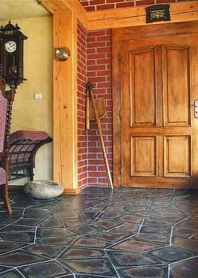 Čedičovou dlažbu můžete využít vinteriéru, exteriéru, obytných itechnických prostorách). Tvar dlaždic je odvozen ze známého skalního útvaru Panská skála.