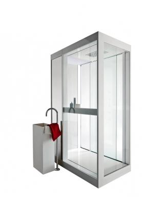 Jednoduché tvary sprchových  kabin sbarevným osvětlením  představila na veletrhu značka Kos,  ceny zatím nejsou stanoveny (dodává STYLINE).