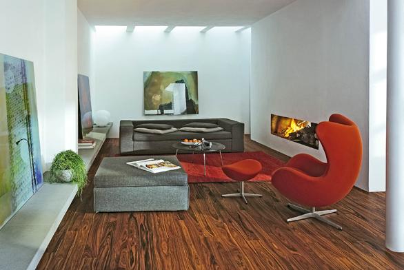 Dřevěná podlaha zkolekce Linea (Parket design), dekor Palisander, cena 1428 Kč/m² (STUDIO PODLAHY HETH).