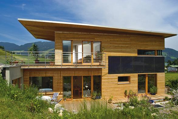 Použití dřeva se meze nekladou. Obklad, podhled ibalkonový nášlap ze dřeva činí dům elegantním ivýjimečným (JAF HOLZ).