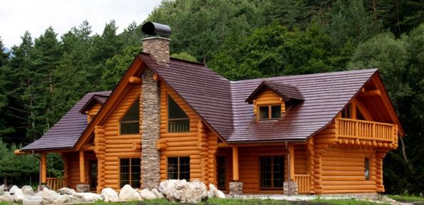 Využití přírodních materiálů dřevo – kámen.