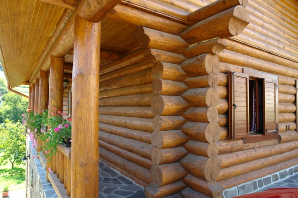 Pohled na dřevo upokojuje a dodává pozitivní energii.