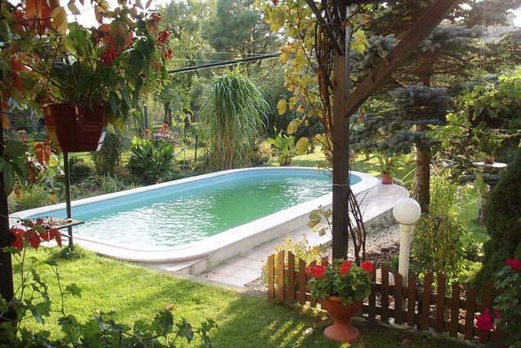 Bazény lákají ke koupání i tvarem