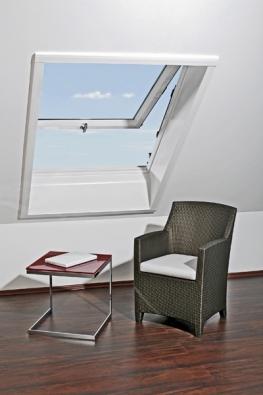 Kyvná okna jsou základním typem střešních oken.