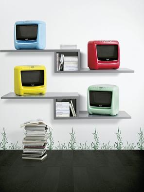 Mikrovlnné trouby řady Max, oceněné ve Francii Janusovou cenou za design, jsou vyráběny vřadě módních barev (WHIRLPOOL).