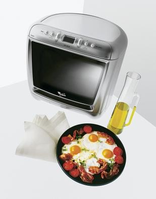 Maximální užitek na minimálním prostoru charakterizuje mikrovlnnou troubu Max sobjemem 13 l ašířkou otočného talíře až 28 cm. Výkon mikrovlnného ohřevu činí 750 W, cena 7 090 Kč (WHIRLPOOL).