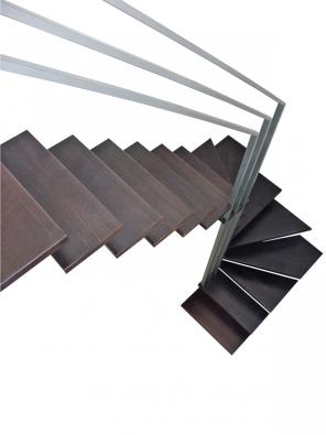 Modulové páteřové schodiště se zvláštním zábradlím podle přání zákazníka, cena 55000Kč (SCHODY ABECEDE).