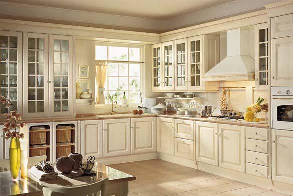 Kuchyň Baltimora, ilustrační foto. Vbílém laku působí mohutná linka odlehčeným dojmem.