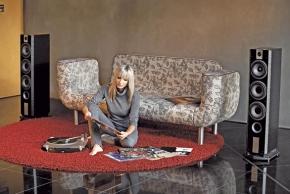Dlouhý, široký a bytelný nábytek