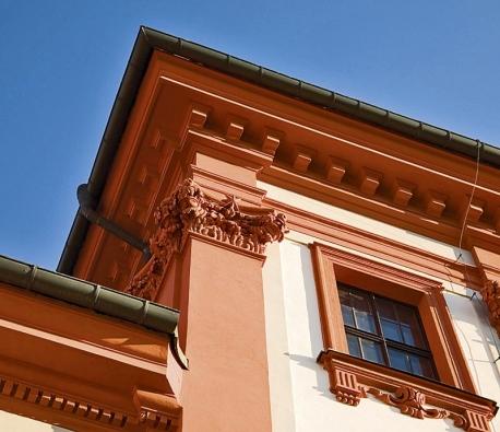 Vhodně zvolené barvy dokážou zvýraznit charakter stavby (Caparol).