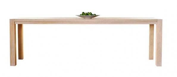 Jídelní stůl ST 200, rozměr 200 x 76 x 90 cm, materiál masivní dub, cena od 13 300 Kč, JAVORINA.