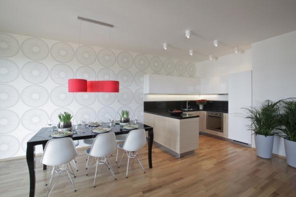 """Zejména v minimalistických interiérech či v téměř """"galerijních"""" prostorech dokáže vhodně zvolený obraz nebo grafika naladit atmosféru v celém prostoru."""