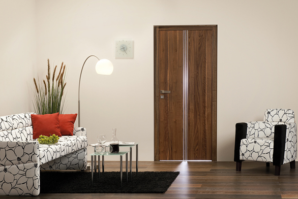 Zabudování stavebního pouzdra pro posuvné dveře dopříčky můžete zvládnout sami pomocí návodu naadrese www.dvere-jap.cz (J.A.P.).