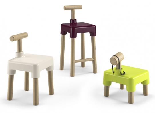 Židle Wood Stock, dřevo aplast, cena odcca 4900Kč (PLUST).