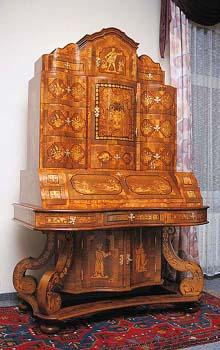 Velký sekretář, klasické baroko, originál pochází z 2. poloviny 17. století.