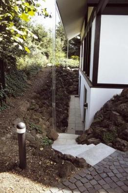 Z velmi krátkých kusů (50 cm) si postavíte snedno a rychle i tvarově komplikované schodiště.