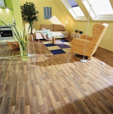 Dekory laminátových podlah jsou téměř neomezené, volit lze i mezi mnoha vzory parket (KRONOSPAN).