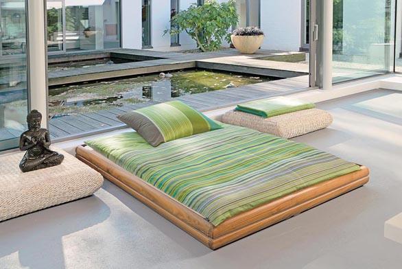 Bavlněné povlečení v rozměrech 80 x 80 cm a 135 x 200 cm, 155 x 220 cm nebo 200 x 200 cm, cena od 3 320 Kč (vyrábí IBENA - BUGATI, dodává ABITARE).