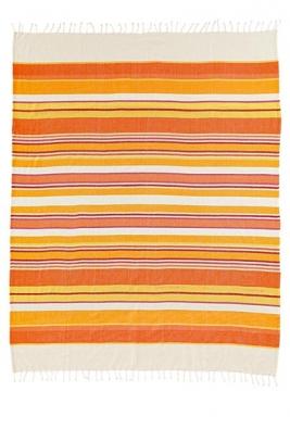 Pléd v rozměru 130 x 170 cm ze 100% bavlny pořídíte za 1 760 Kč (vyrábí IBENA - BUGATI, dodává ABITARE).