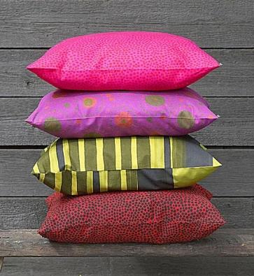 Bytové textilie Marimekko, 100% bavlna, cena 830 Kč za metr, metráž v mnoha designech z dílen skandinávských tvůrců, šíře rolí 140 cm (DESIGNOR).